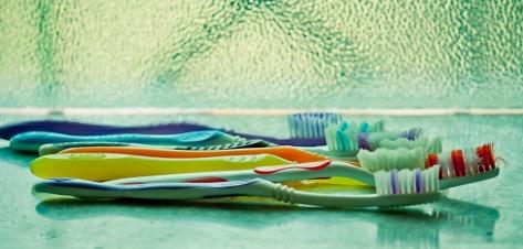 toothbrush-390870_960_720
